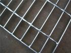 电厂中腐蚀性液体比较多,钢格栅板会不会受到影响?