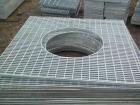 钢格板安装简单只需要在既定的位置将材料放进去就好
